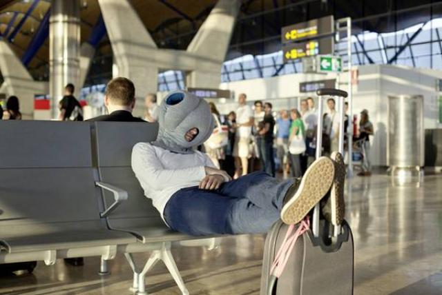 17. An ingenious way to sleep at sleepovers, and well ... also in the inland terminals.