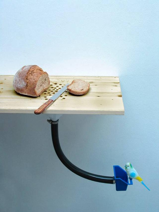 14. Ingenious way to serve the lost canary small cut grain bread